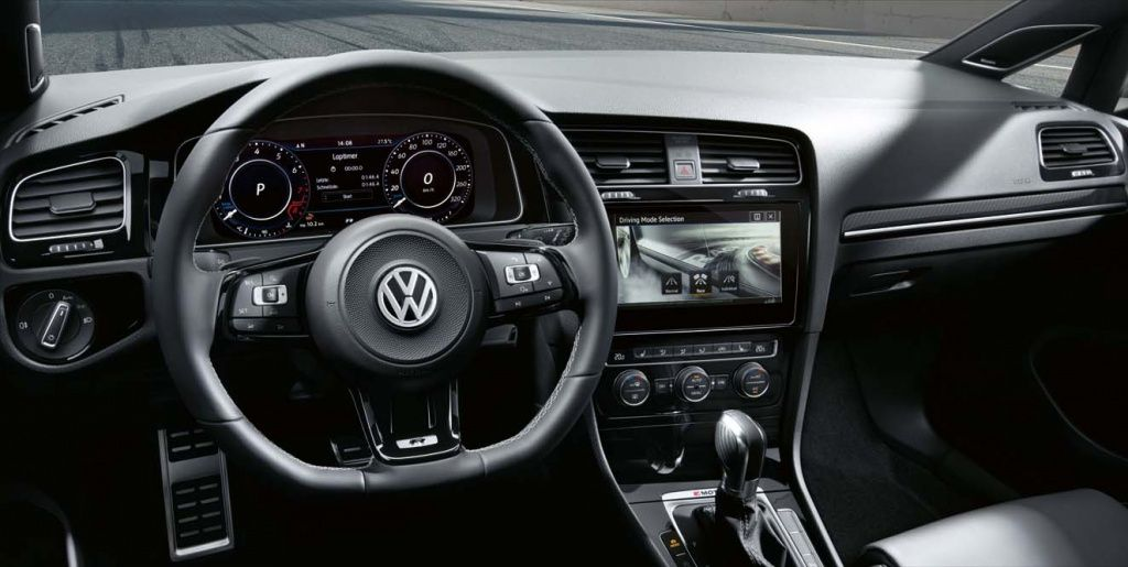 VW-Golf-7-Phase-2-interieur-2017